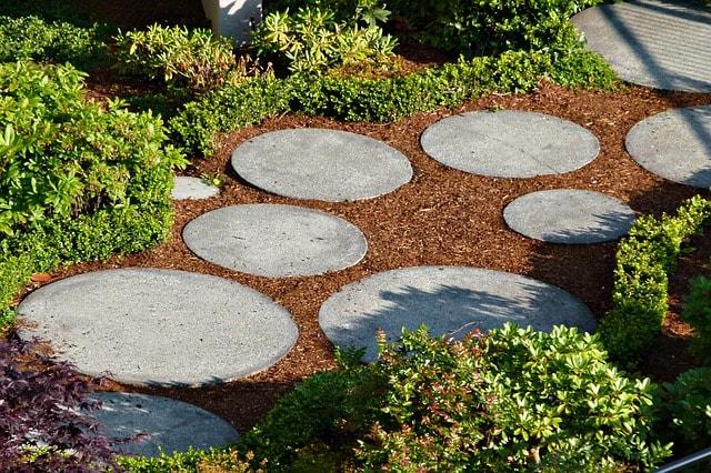 Garten gestalten Stein